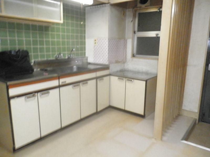 汚いキッチン 住宅